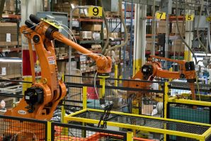 Robots at work for extraction and assembly
